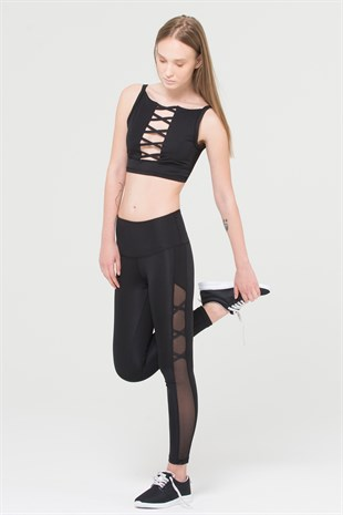 Crisscross crop top with cleavage